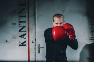 Teambuilding Vertrieb, Christoph Teege, Boxevent, Teamevent, Firmenevent, Motivation, Erfolg, Stress, Resilienz, Boxen, Herausforderungen, Vertrieb, Business, Speaker, Boxcoach, Vortrag